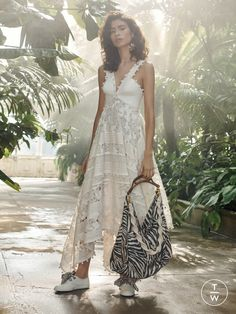 5bddf1567b01 Zimmermann - Resort 2019 - Look 11 Embroidered Lace
