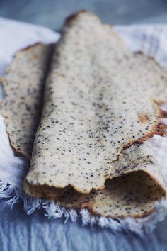 Tunnbröd utan gluten, raffinerat socker, mejeriprodukter och ägg