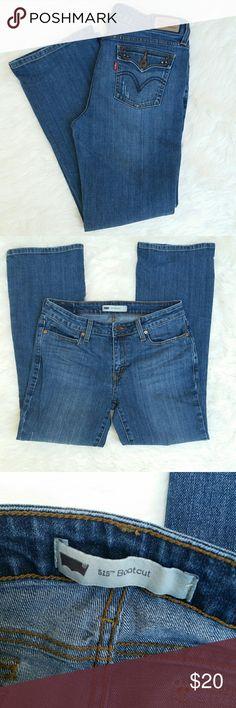 "Levi's 515 bootcut jeans sz 8 Levi's 515 bootcut jeans sz 8 flat measurements waist 15"", hips 18"", rise 8.5"", inseam 27.5"", outseam 36"", leg opening 8.5"" Levi's Jeans Boot Cut"