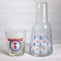 Nesses dias de calor e tempo seco tem que se hidratar. Essa moringa de vidro, vai deixar sua água fresca e sua mesa um charme! ⚓️ - Loja finé - www.lojafine.com