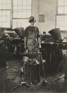 Six Women Who Paved the Way for Female Engineers and Architects - via Gizmodo