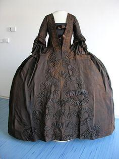Gown of Maria Anna Josepha Dietrichstein née Khevenhüller, second half of the 18thC. Regional Museum, Mikulov.