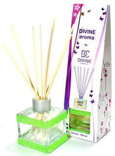 Home fragrance 100 ml - White Tea https://divinecosmetics.eu/en/bath-spa/735-d100-diffuser-100-ml-white-tea-8586009615237.html