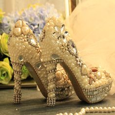 76.62$  Buy here - http://aliwdw.shopchina.info/1/go.php?t=32803713475 - Newest Designer White Pearls Silver Rhinestone Bridal Wedding Shoes Delicate Handmake Wedding High Heels Anniversary Ceremony  76.62$ #SHOPPING