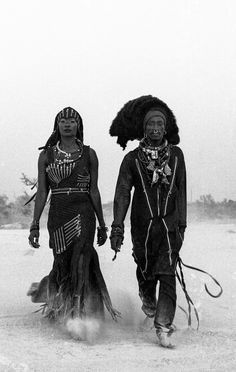 The History and definition of what is Afrofuturism Culture as liberated Black self-expression beyond expected Social Norms and Conventions My Black Is Beautiful, Black Love, Black Art, Black And White, African Tribes, African Art, African History, African Dress, African Beauty