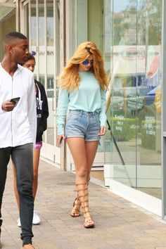 thorne-news:    [MORE] Bella Thorne and Shamari Maurice out and about in Malibu 07/06/15.