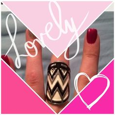 ✨Chevron ring A stunning eye catching ring. Black, white and silver chevron. I believe a size 6. Jewelry Rings