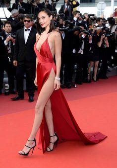 gimayhiu - 0 results for celebs Beautiful Celebrities, Beautiful Actresses, Gorgeous Women, Gal Gadot Photos, Gal Gardot, Gal Gadot Wonder Woman, Elizabeth Olsen, Hollywood Actresses, Sexy Legs