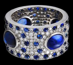 Wow! Love this right hand ring.