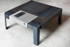 フロッピーディスクのテーブル【Floppy Table】