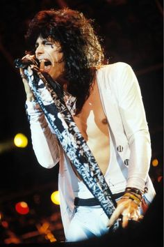 Discovered by Find images and videos about aerosmith and steven tyler on We Heart It - the app to get lost in what you love. Great Bands, Cool Bands, Steven Tylor, Brad Whitford, Liv Tyler 90s, Steven Tyler Aerosmith, Elevator Music, 80s Hair Bands, Joe Perry