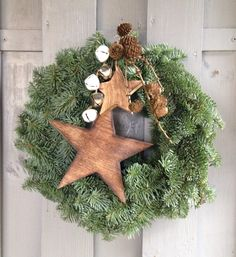 Advent 2015 - New Ideas Christmas Door Wreaths, Christmas Bows, Holiday Wreaths, Winter Christmas, Christmas Time, Christmas Crafts, Christmas Ornaments, Holiday Decor, Advent Wreath