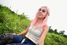 Hippie fashion, boho, gypsy, pink hair, manic panic, blogger