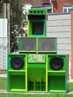 Pretty green boxes...  Steppaddict Sound System. Based in Lille, France. Est. 2010