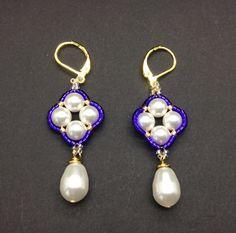Wedding Swarovski pearl earrings wedding gift by AGDesignCreatif Purple Earrings, Unique Earrings, Tassel Earrings, Crystal Earrings, Drop Earrings, Pearl Earrings Wedding, Swarovski Pearls, Pearl White, Seed Beads