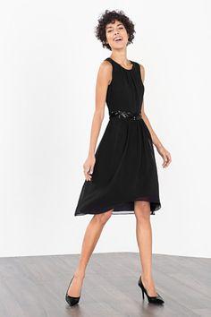 Esprit / Soepele chiffon jurk met glamoureus detail Glamour, The Dress, Neue Trends, Beauty, Black, Dresses, Fashion, Skirt, Little Black Dresses
