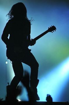 Tomo Milicevic silhouette <3 I really love this picture.