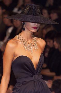 oncethingslookup: Yves Saint Laurent Primavera 2001 Haute Couture