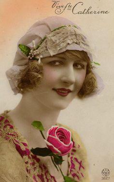Sainte Catherine, Vintage Photos Women, Art Populaire, Blue Garden, The Great Gatsby, Vintage Photography, St Patrick, Decoupage, Winter Hats