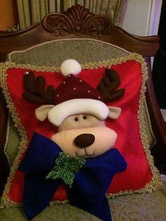 Christmas Chair Covers, Christmas Cushions, Christmas Pillow, Felt Christmas, Christmas Stockings, Christmas Holidays, Christmas Crafts, Christmas Decorations, Christmas Ornaments