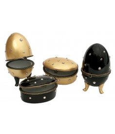 These beautiful eggs and small decorative accessories by #Soizick Black or Gold #Diamond Collection make lovely small #wedding #gifts