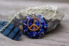 Necklace. Pendant, Peace Sign
