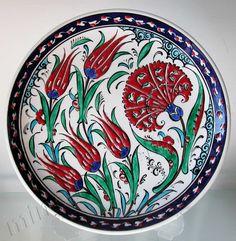 Ceramic Tile Art, Ceramic Design, Ceramic Plates, Turkish Art, Turkish Tiles, Ceramic Figures, Polymer Clay Flowers, Pattern Art, Traditional Art