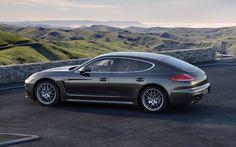 Porsche Panorama | 2014-Porsche-Panamera-4S-rear-three-quarter