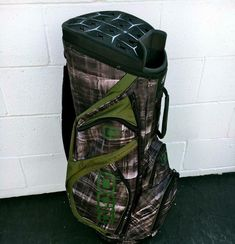 OGIO SILENCER CART BAG~MINT CONDITION~BROWN / TAN /GREEN PLAID ABSTRACT DESIGN #OGIO #Modern