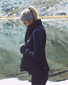 hiking outfit 3 ways to dress warm while working out winter fitness style. Sporty Outfits, Mode Outfits, Athletic Outfits, Athletic Style, Cold Weather Outfits, Fall Winter Outfits, Autumn Winter Fashion, Fall Fashion, Chilly Weather