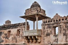 Chittorgarh and the legend of Padmavati Rani Padmini, Chittorgarh Fort, Incredible India, Amazing, Old Fort, Forts, Temples, Krishna, Backpacking