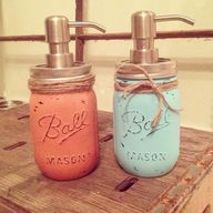 Soap Dispenser: paint mason jars with chalk paint and rub sandpaper over it to make it more rustic. Soap Dispenser: paint mason jars with chalk paint and rub sandpaper over… Mason Jar Seifenspender, Pot Mason Diy, Vintage Mason Jars, Blue Mason Jars, Mason Jar Gifts, Painted Mason Jars, Pots Mason, Distressed Mason Jars, Painted Vases