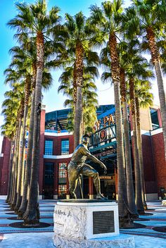 SF Giants Willie Mays Statue at AT Park - San Francisco CA