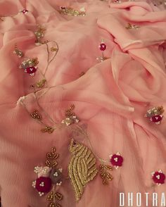 Lusting over this gracious embroidered saree with unique delicate details, we try to epitomise refinement and luxury in fashion. Organza Saree, Chiffon Saree, Saree Dress, Embroidery Suits Punjabi, Embroidery Dress, Saree Blouse Patterns, Saree Blouse Designs, Rajasthani Dress, Designs For Dresses