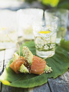 Sesamdrysset avocado med laks - Fisk/skaldyr - Opskrifter - Mad og Bolig