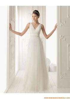 Robe de mariée empire tulle col en V                                                                                                                                                      Plus
