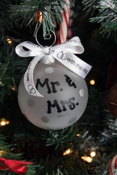 Mr. and Mrs. Ornament, Mr. &  Mrs., Christmas ornament, Just married, Married, newly weds, wedding gift, wedding, wedding ornament