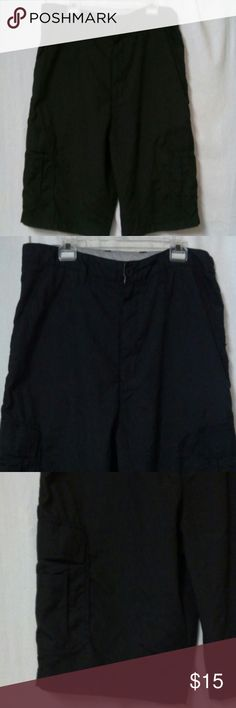 "Burnside mens size 36 black cargo short Barely worn, zipper with a button, two front pockets and two back flap pockets, side leg pockets, polyester, front rise 13"", inseam 10"" Burnside Shorts Cargo"