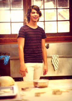 Joe Jonas / Shane Grey