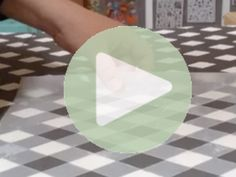 Harlekin ternet bord......    I disse 2 filmklip viser jeg dig hvordan du nemt kan lave de fedeste harlekin tern på dit møbel - ved hjælp af denne super fede stencil. Stencillen er designet så den har pas mærker, hvilket gør det super nemt at flytte rundt på den og få ternene til at sidde snurre lige