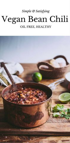 Try this simple & satisfying chili for a dinner choice! Ideal for meal prep! Vegan Bean Chili, Easy Vegan Chili, Simple Chili Recipe, Vegan Soups, Vegan Vegetarian, Vegan Food, Vegetarian Recipes, Veg Recipes, Dinner Recipes