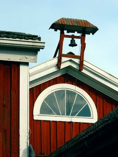 The old lunch bell at Hämes-Havunen Farmstead Museum | Food at Hämes-Havunen. Kauhajoki, Finland.