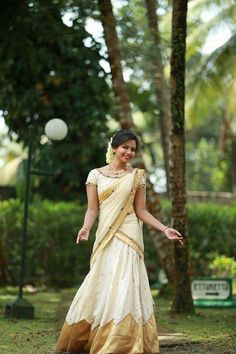 Kerala traditiona l Kerala Saree Blouse Designs, Half Saree Designs, Dress Designs, Half Saree Lehenga, Saree Dress, Kerala Traditional Saree, Onam Saree, Kasavu Saree, Kerala Engagement Dress