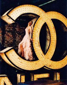 Chanel No 5 print ad featuring Nicole Kidman
