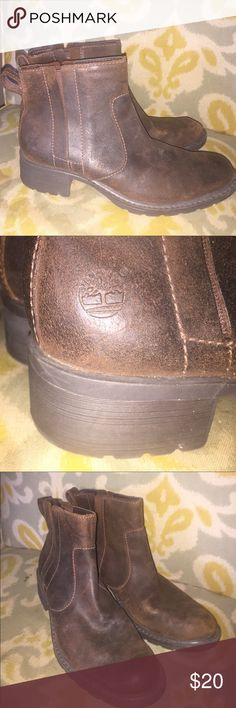Ladies timberland ankle boots Sz 8 brown leather Ladies Timberland boots. Elastic sides. Size 8. Preowned. Thanks for looking. Timberland Shoes Ankle Boots & Booties