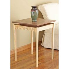Floating-top End Table or Nightstand Woodworking Plan – A top rising above the base caps a light and airy look. Okay the top doesn′t really float. But it appears suspended above the legs and rails thanks to a couple of supports with elevated centers that extend between two rails. http://www.woodstore.net/flta.html