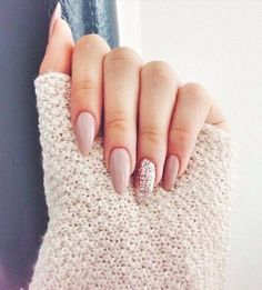 party nail #essie More