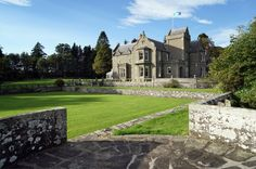 House of Turin, a private stately mansion near Carnoustie Golf Links. Perfect for a traveling group of golfers. Front Gardens, Turin, Wedding Venues, Wedding Inspiration, Exterior, Mansions, House Styles, Castle Scotland, Golfers