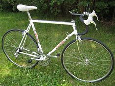 Vintage Bottechia..I owned a Bottechia like this back in the 90's. Sold it on ebay for about $125 back in 2003...such a nice ride..
