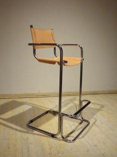 New York: Tubular Chrome Bar Chairs $20 - http://furnishlyst.com/listings/767199